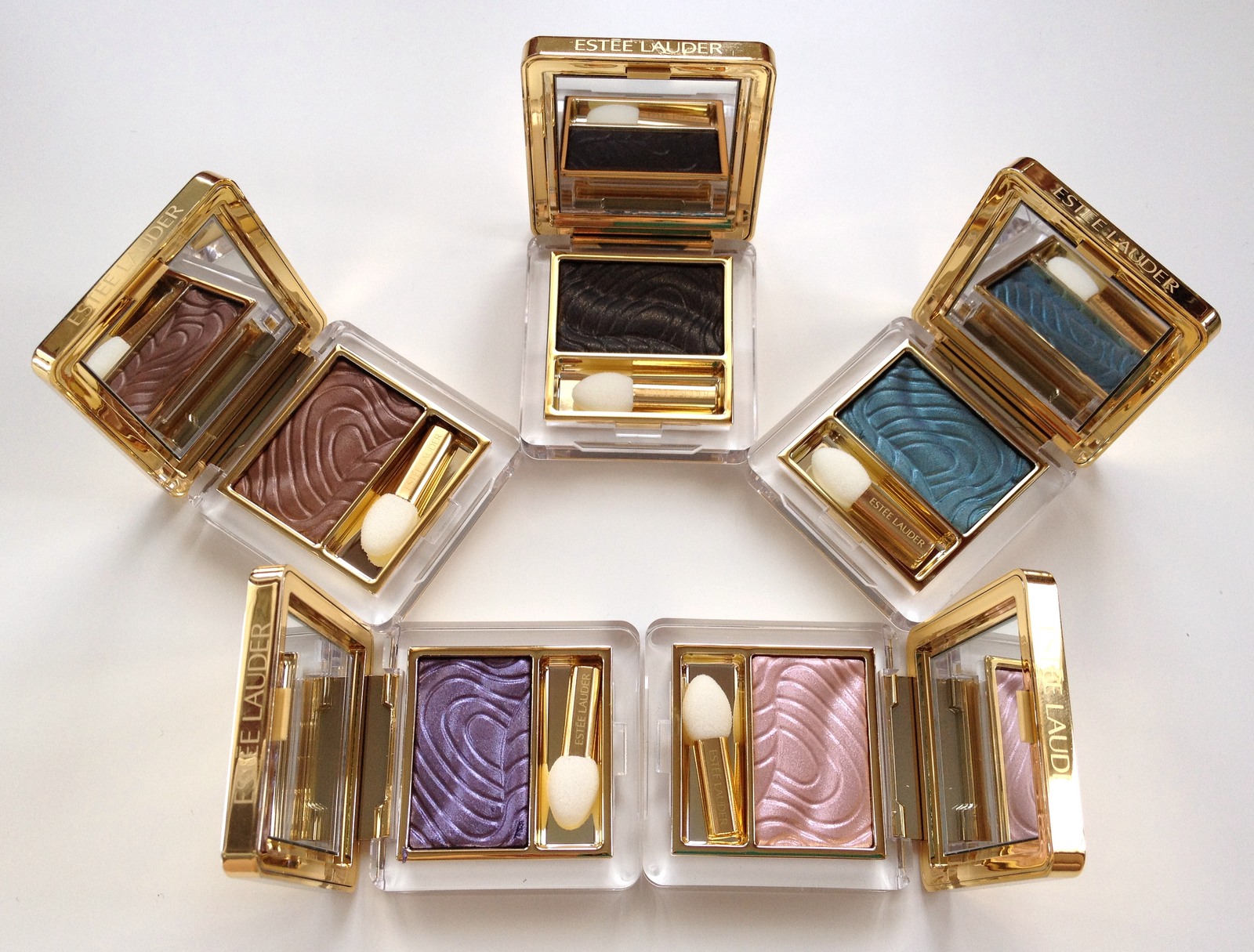 Metallic Eye make-up. Pure Color Gelée Powder Eye Schadow van Estee Lauder